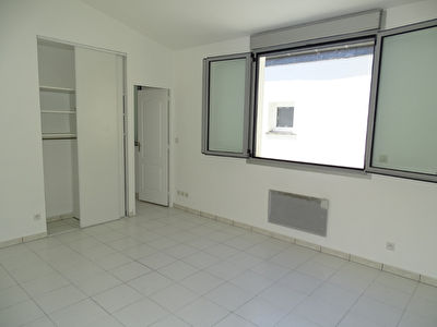 A VENDRE APPARTEMENT T2 SUR PATIO BORDEAUX - BARRIERE JUDAIQUE