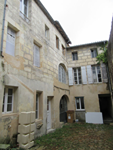 A VENDRE APPARTEMENT TYPE 2 A RENOVER - BLAYE CENTRE