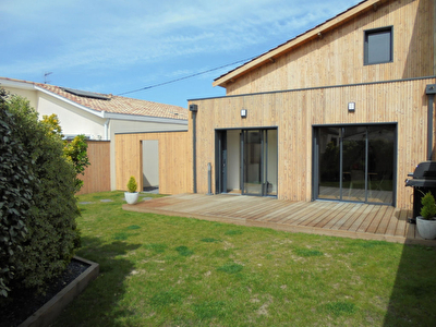 A VENDRE - MAISON CONTEMPORAINE EYSINES CENTRE